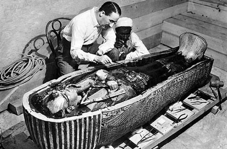 Su that ngo ngang ve chiec giuong cua pharaoh Ai Cap Tutankhamun-Hinh-9