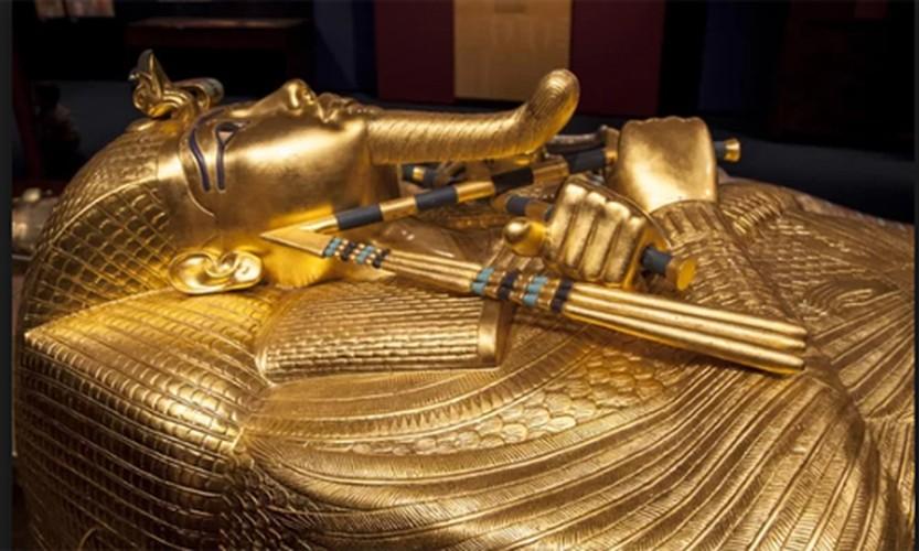 Su that ngo ngang ve chiec giuong cua pharaoh Ai Cap Tutankhamun