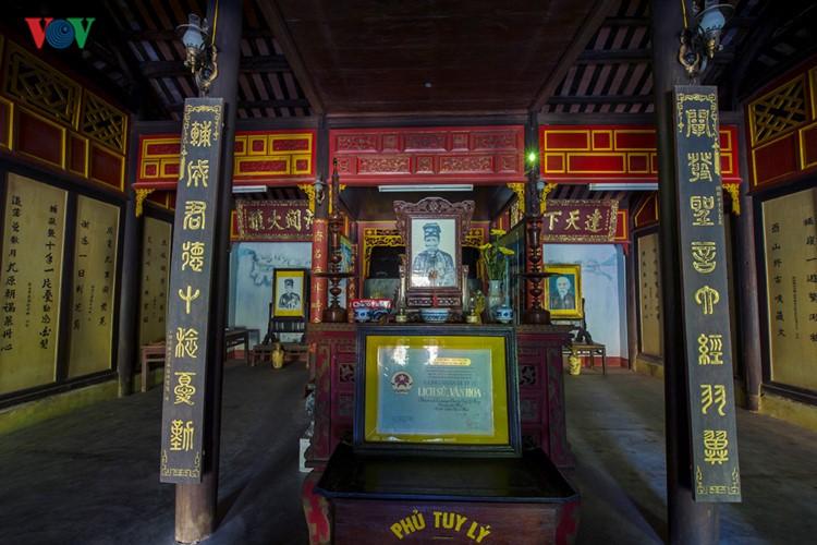 Ve xu Hue tham nhung phu de uy nghi-Hinh-5