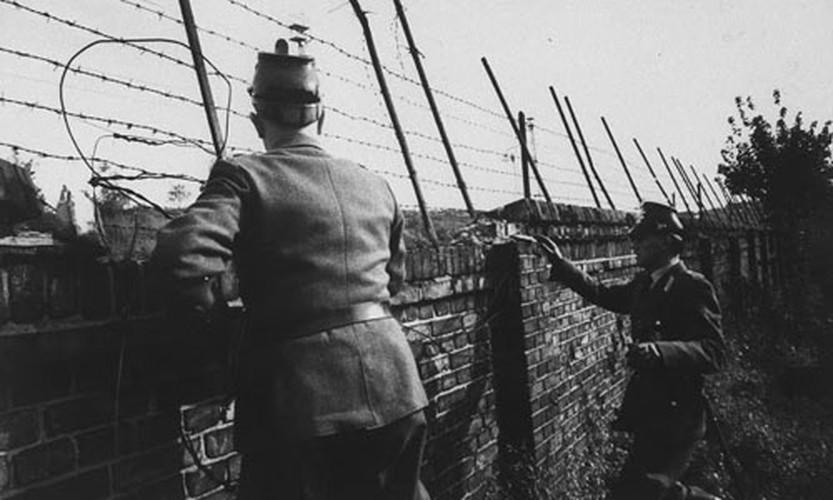 Anh de doi ve Buc tuong Berlin thoi Chien tranh Lanh-Hinh-3