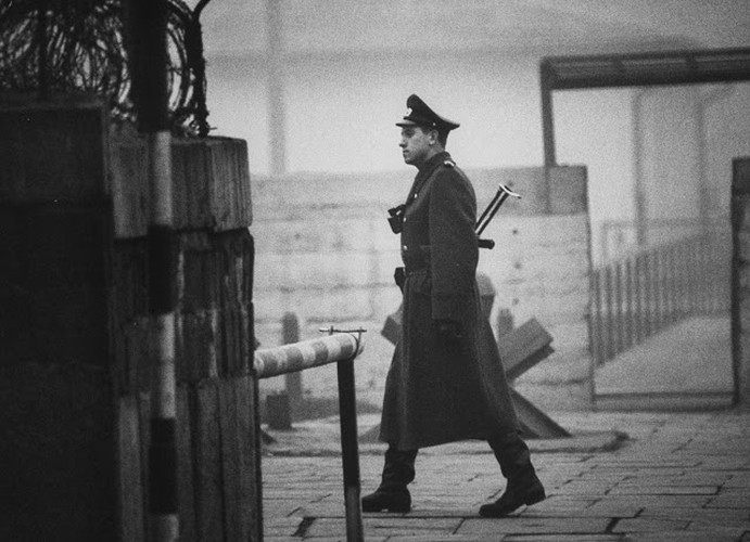 Anh de doi ve Buc tuong Berlin thoi Chien tranh Lanh-Hinh-8