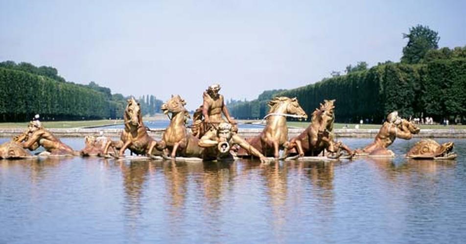 Giai ma bi mat it biet ve cung dien Versailles noi tieng-Hinh-9