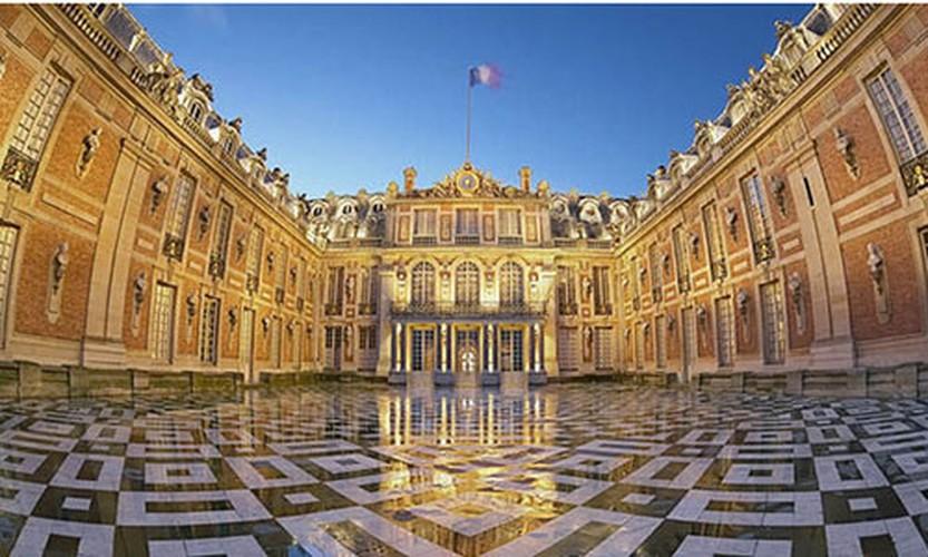 Giai ma bi mat it biet ve cung dien Versailles noi tieng