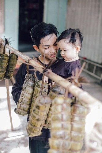 Phan Hien hi hui rua chan cho Khanh Thi-Hinh-13