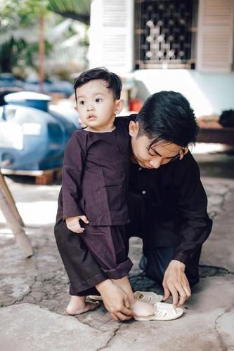 Phan Hien hi hui rua chan cho Khanh Thi-Hinh-14