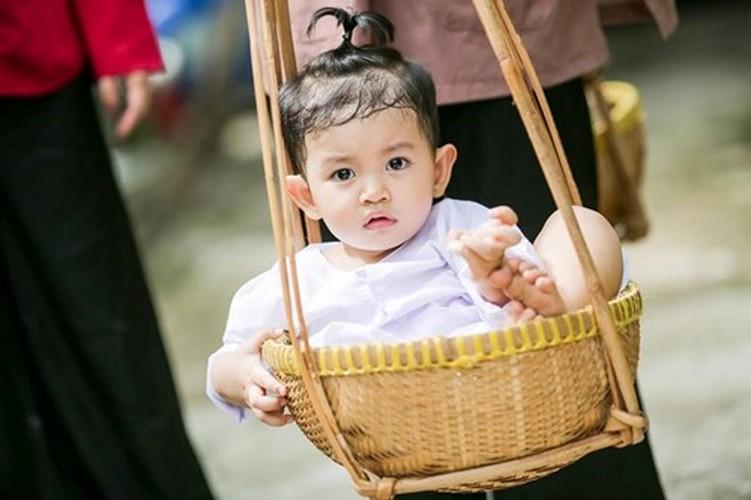 Phan Hien hi hui rua chan cho Khanh Thi-Hinh-9