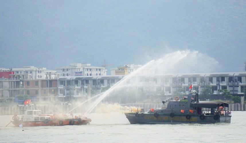 Anh: Viet Nam, My dien tap ung pho su co tran dau tren song Han-Hinh-4