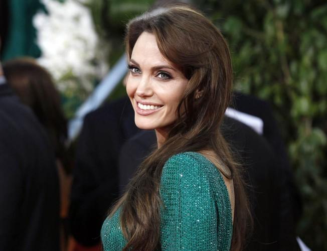 Bi quyet giup Angelina Jolie tre dep nhu gai 20 sau ly hon-Hinh-10