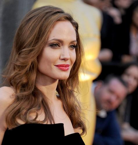 Bi quyet giup Angelina Jolie tre dep nhu gai 20 sau ly hon-Hinh-12