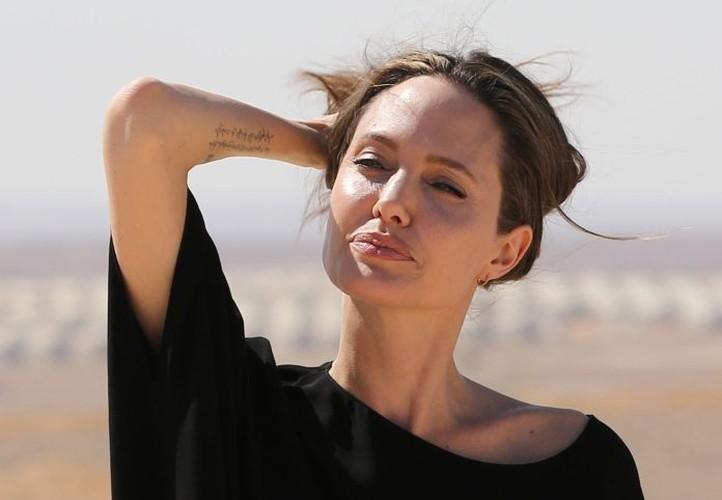 Bi quyet giup Angelina Jolie tre dep nhu gai 20 sau ly hon-Hinh-3