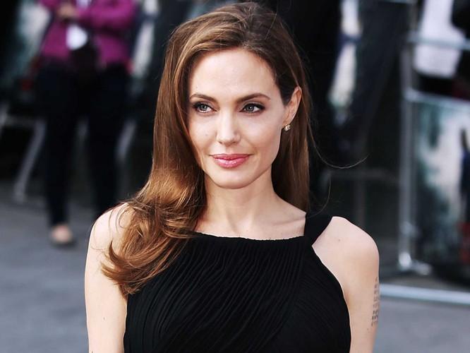 Bi quyet giup Angelina Jolie tre dep nhu gai 20 sau ly hon-Hinh-5