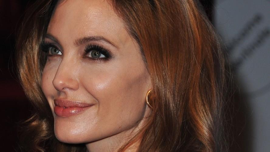 Bi quyet giup Angelina Jolie tre dep nhu gai 20 sau ly hon-Hinh-9