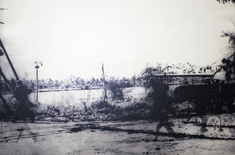 Bộ đội Việt Nam hi sinh xương máu chiến đấu diệt polpot