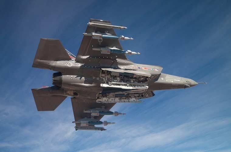 Chung kien kho vu khi cua tiem kich tang hinh F-35-Hinh-4
