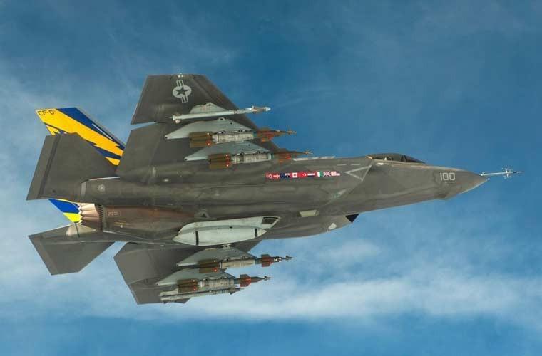 Chung kien kho vu khi cua tiem kich tang hinh F-35-Hinh-5