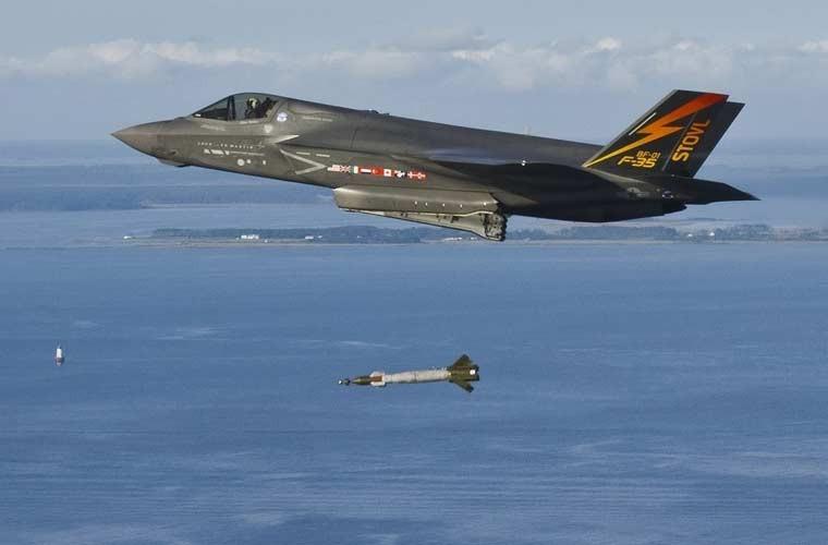 Chung kien kho vu khi cua tiem kich tang hinh F-35-Hinh-8