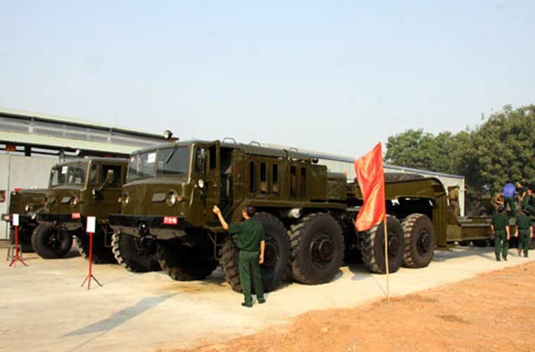 Suc manh xe cho tang Maz-537 cua Quan doi Viet Nam