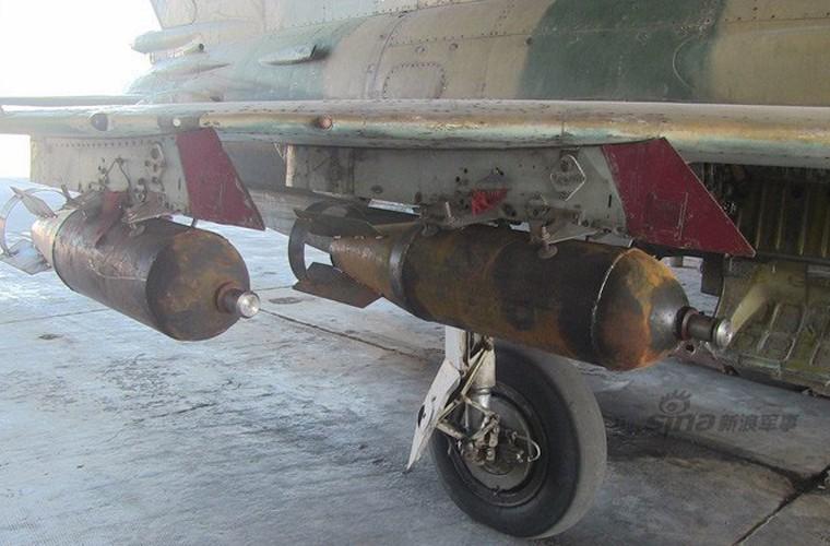 Bi tan pha khung khiep, Khong quan Syria van kien cuong-Hinh-3