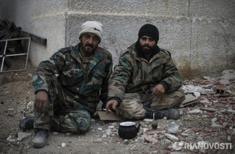 Bi tan pha khung khiep, Khong quan Syria van kien cuong-Hinh-9