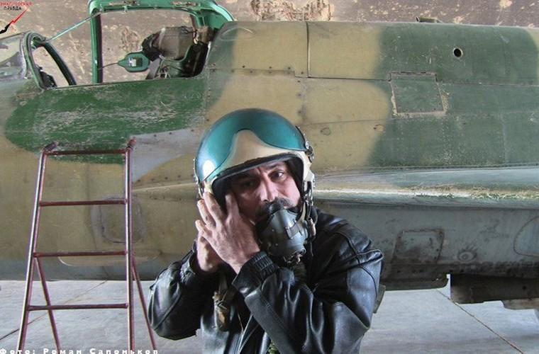 Bi tan pha khung khiep, Khong quan Syria van kien cuong