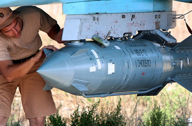 Phien quan IS bo tay hoan toan truoc may bay Nga-Hinh-9