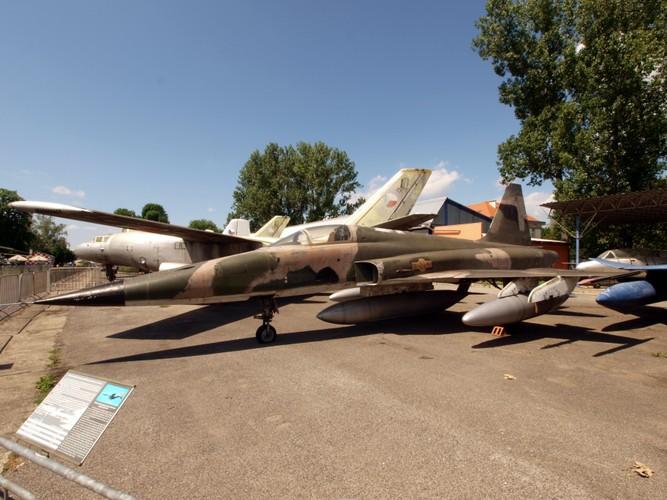 Kinh ngac chien loi pham F-5E ta thu duoc nam 1975-Hinh-11
