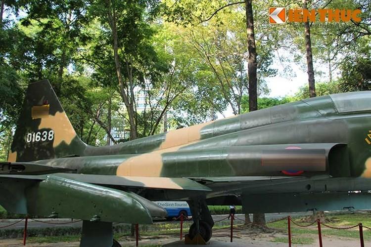Kinh ngac chien loi pham F-5E ta thu duoc nam 1975-Hinh-13