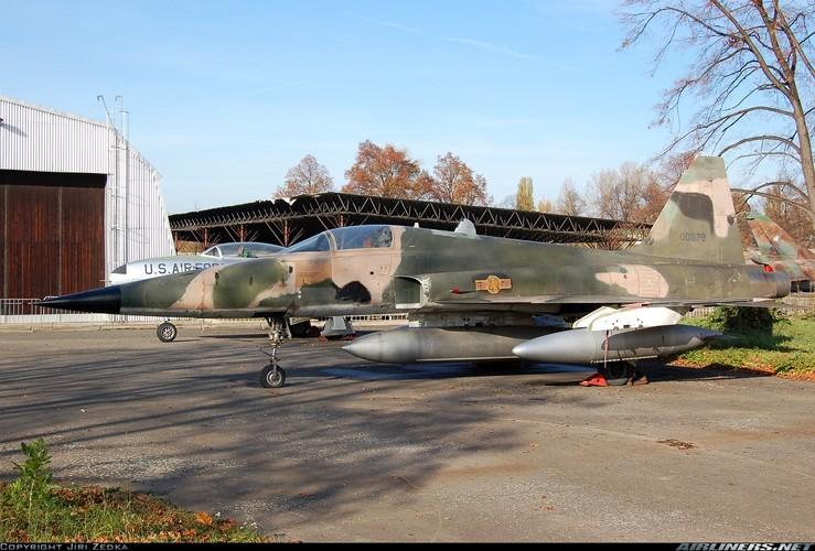 Kinh ngac chien loi pham F-5E ta thu duoc nam 1975-Hinh-9