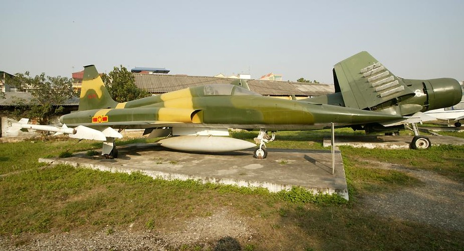 Kinh ngac chien loi pham F-5E ta thu duoc nam 1975