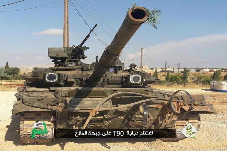 Phan tham xe tang tot nhat the gioi cua Nga o Syria-Hinh-4