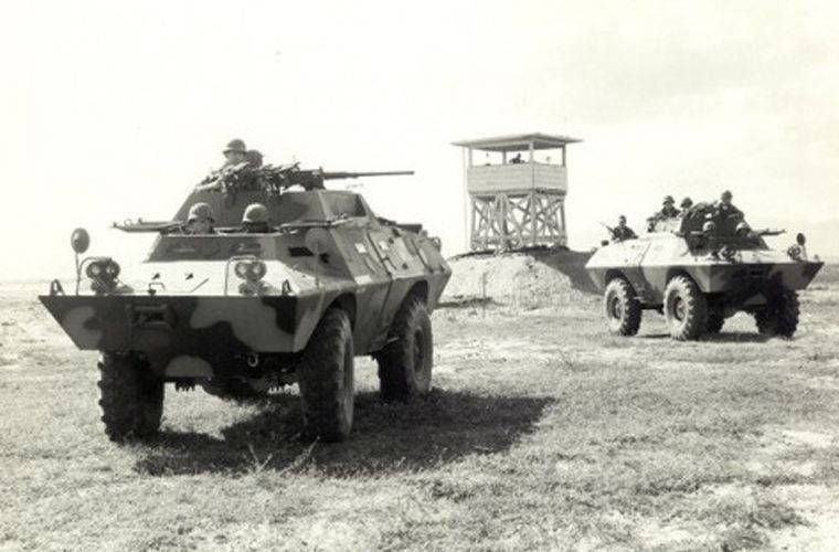 Soi loat xe tang-thiet giap My Viet Nam dang su dung (2)-Hinh-2