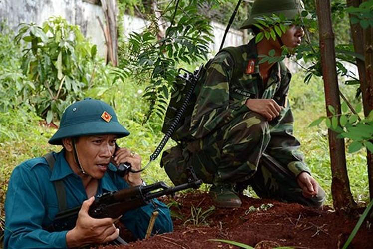 Muc kich Binh doan 15 QDVN dien tap bao ve bien gioi-Hinh-4