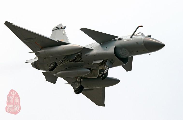 Bi an phien ban tiem kich J-10C cua Trung Quoc-Hinh-2