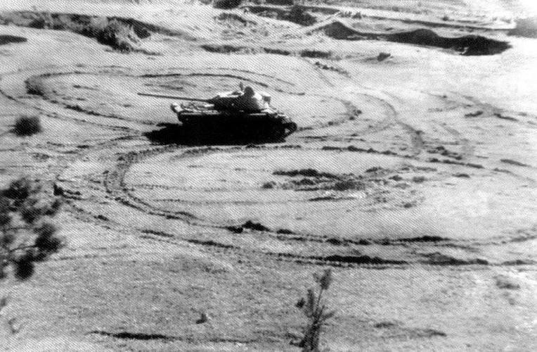 Loat anh hiem thu nghiem phien ban T-54 dau tien-Hinh-5