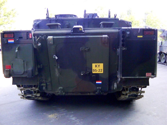 "Nhan dien xe boc thep toi tan NATO ""ap sat"" Nga-Hinh-11"