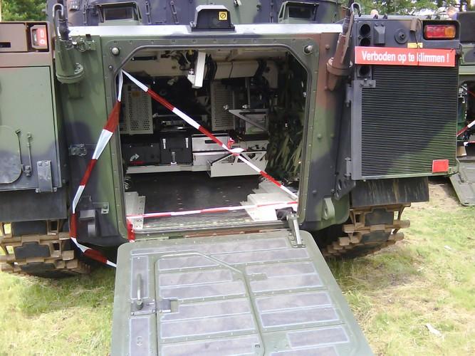 "Nhan dien xe boc thep toi tan NATO ""ap sat"" Nga-Hinh-12"
