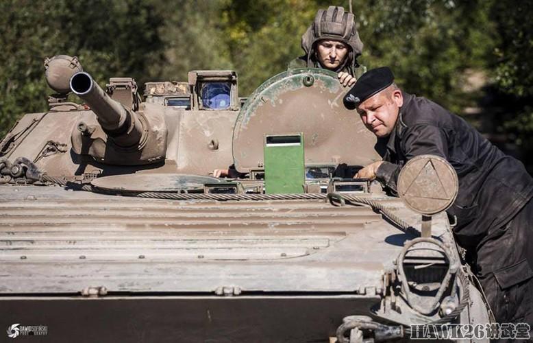 Cuc hiem canh BMP-1 ban ten lua chong tang AT-3-Hinh-8