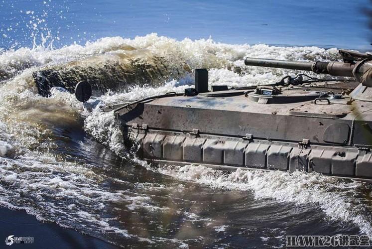 Cuc hiem canh BMP-1 ban ten lua chong tang AT-3-Hinh-9