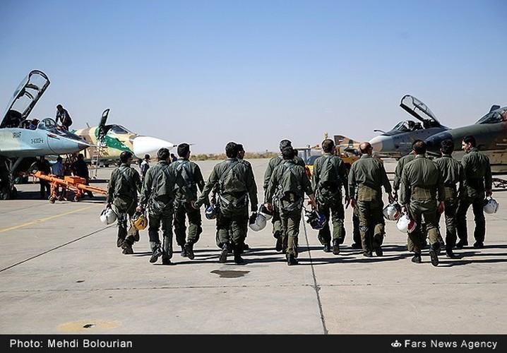 Kinh ngac canh Khong quan Iran trien khai tap tran lon-Hinh-11