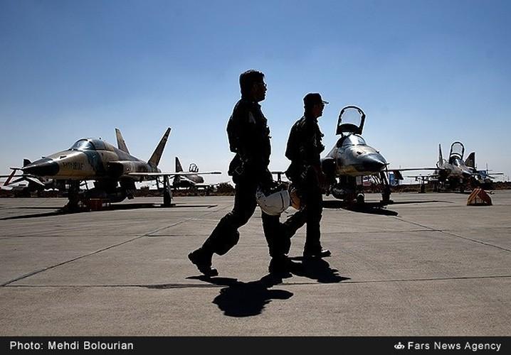 Kinh ngac canh Khong quan Iran trien khai tap tran lon-Hinh-12