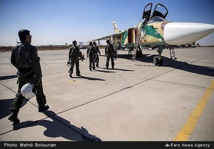 Kinh ngac canh Khong quan Iran trien khai tap tran lon-Hinh-3