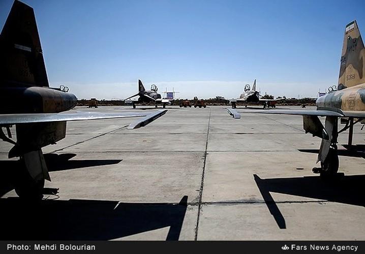 Kinh ngac canh Khong quan Iran trien khai tap tran lon-Hinh-6