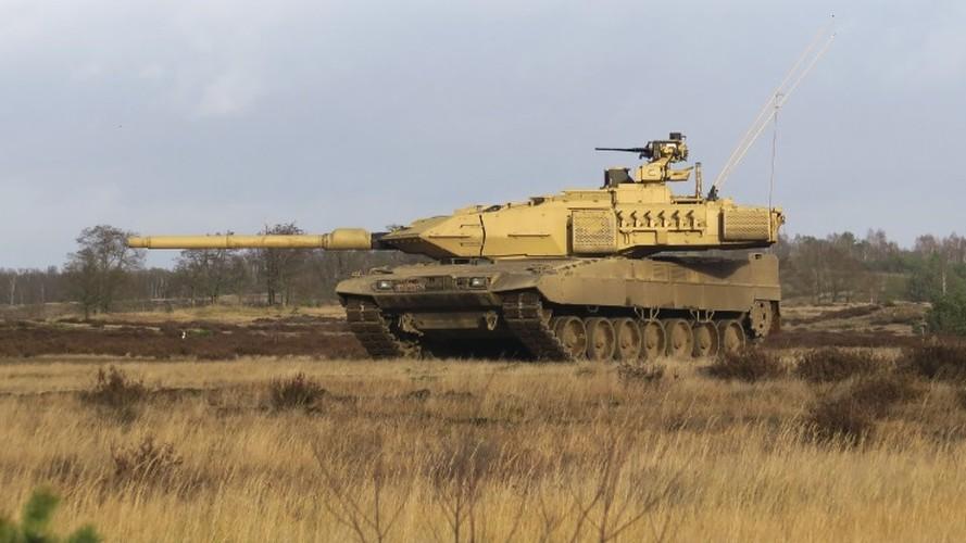 Sieu tang Duc Leopard 2A7+ lan dau tien toi dat Trung Dong
