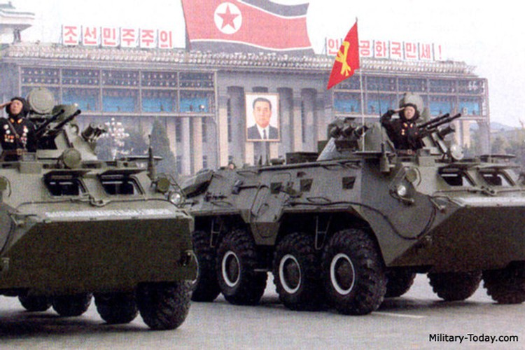 "Tram tro phien ban ""taxi"" BTR-80 do Trieu Tien tu san xuat-Hinh-7"