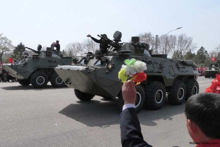 "Tram tro phien ban ""taxi"" BTR-80 do Trieu Tien tu san xuat-Hinh-8"