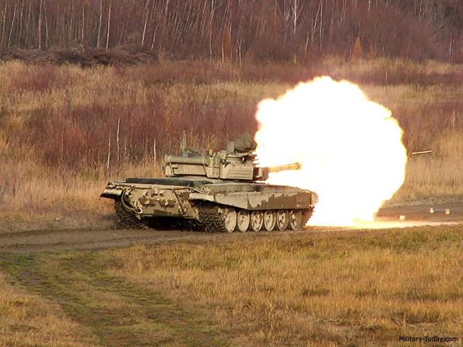 """Bat ngo phien ban """"do"""" tang T-72 """"khung"""" nhat the gioi-Hinh-14"""
