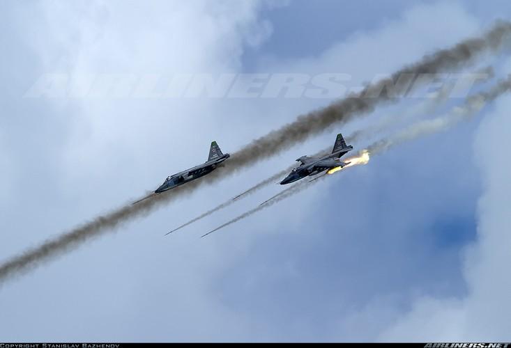 Tuong tan so may bay Su-25 moi duoc tang cuong den Syria-Hinh-8