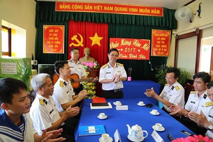 Anh: Bo doi nha gian DK1 tat bat don Tet som-Hinh-9