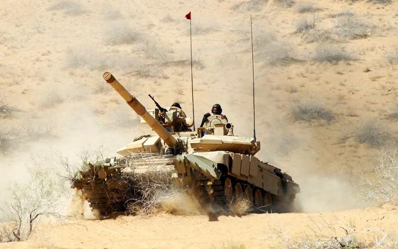"""Tiet lo """"gay soc nang"""" ve xe tang T-90 cua An Do-Hinh-12"""