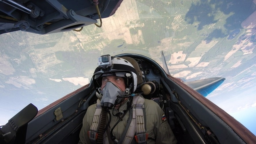Chong mat goc anh tu buong lai tiem kich MiG-29-Hinh-4